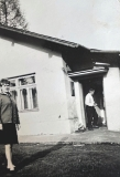 Před strážním domkem na Muzlově