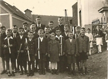 První svaté přijímání - děti Muzlov 1943-44