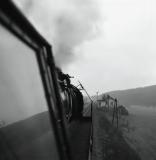Pohled z lokomotivy na banínské hradlo 1972